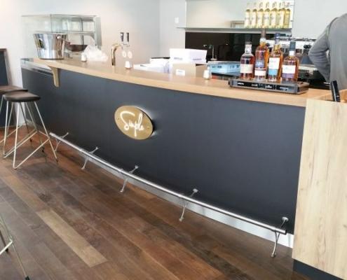 Blick auf die Bar 3