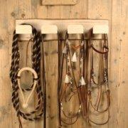Zaumhalter bestückt Schreinerei Holzhandwerkstatt Schmidt